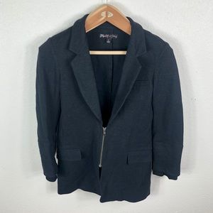 Elizabeth and James Full Zip Stretch Blazer Size 6